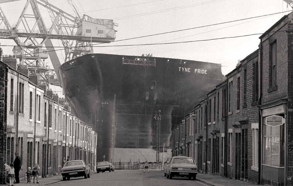 The Shipyards at Wallsend, 1968, Peter Loud