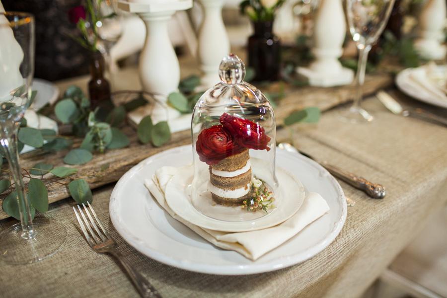 Mini Cake under cloche dome