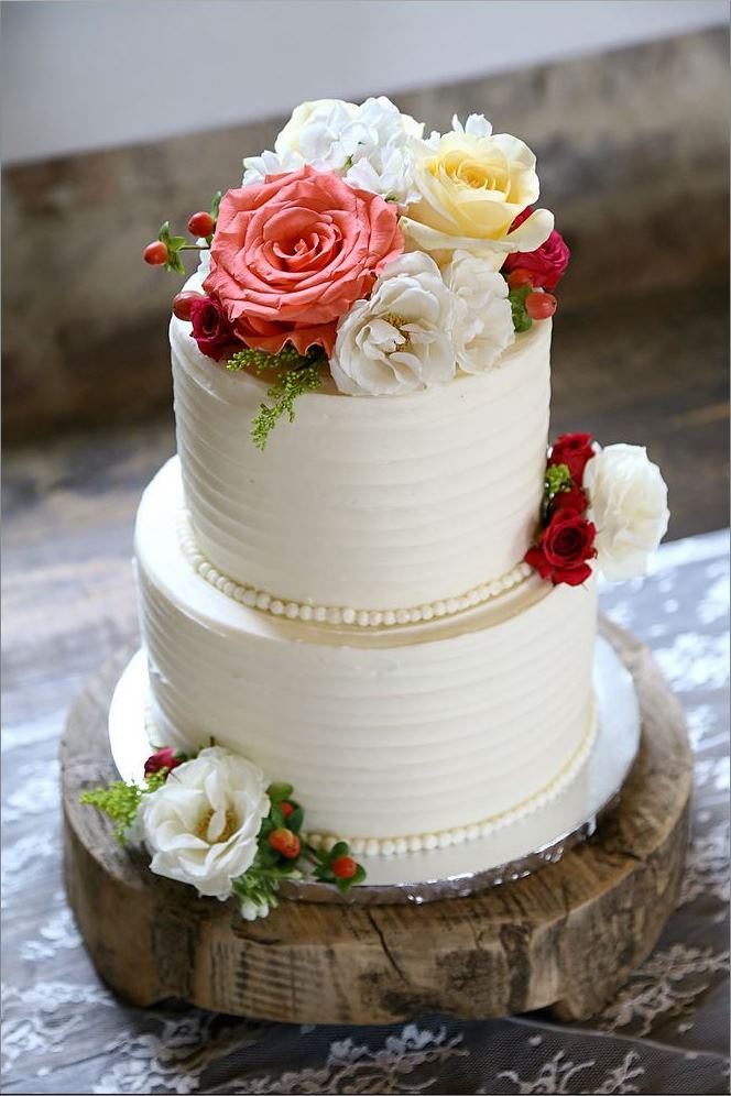 small wedding cake pink red roses