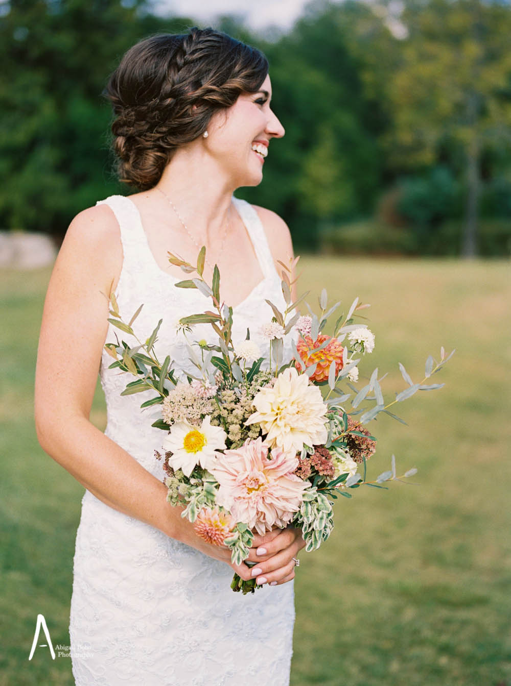 beautiful bride with stunning bouquet