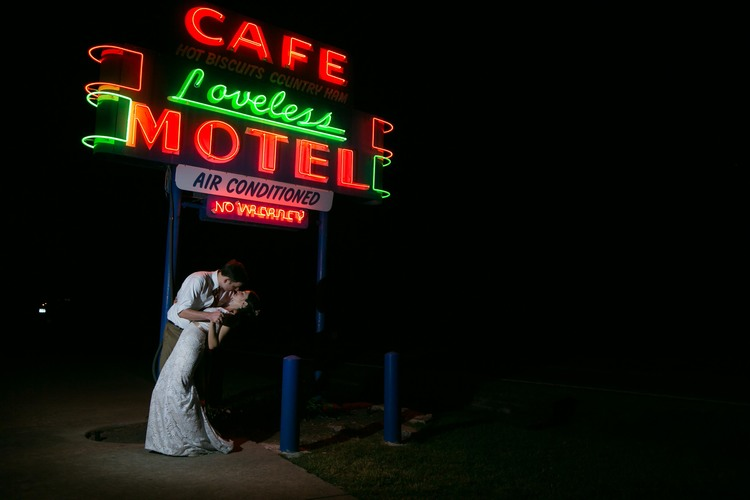 loveless motel cafe sign