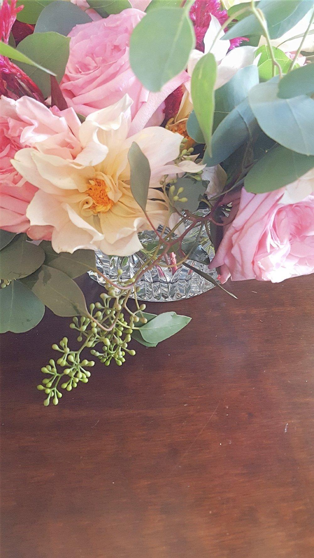 centerpiece dahlia roses eucalyptus.jpg