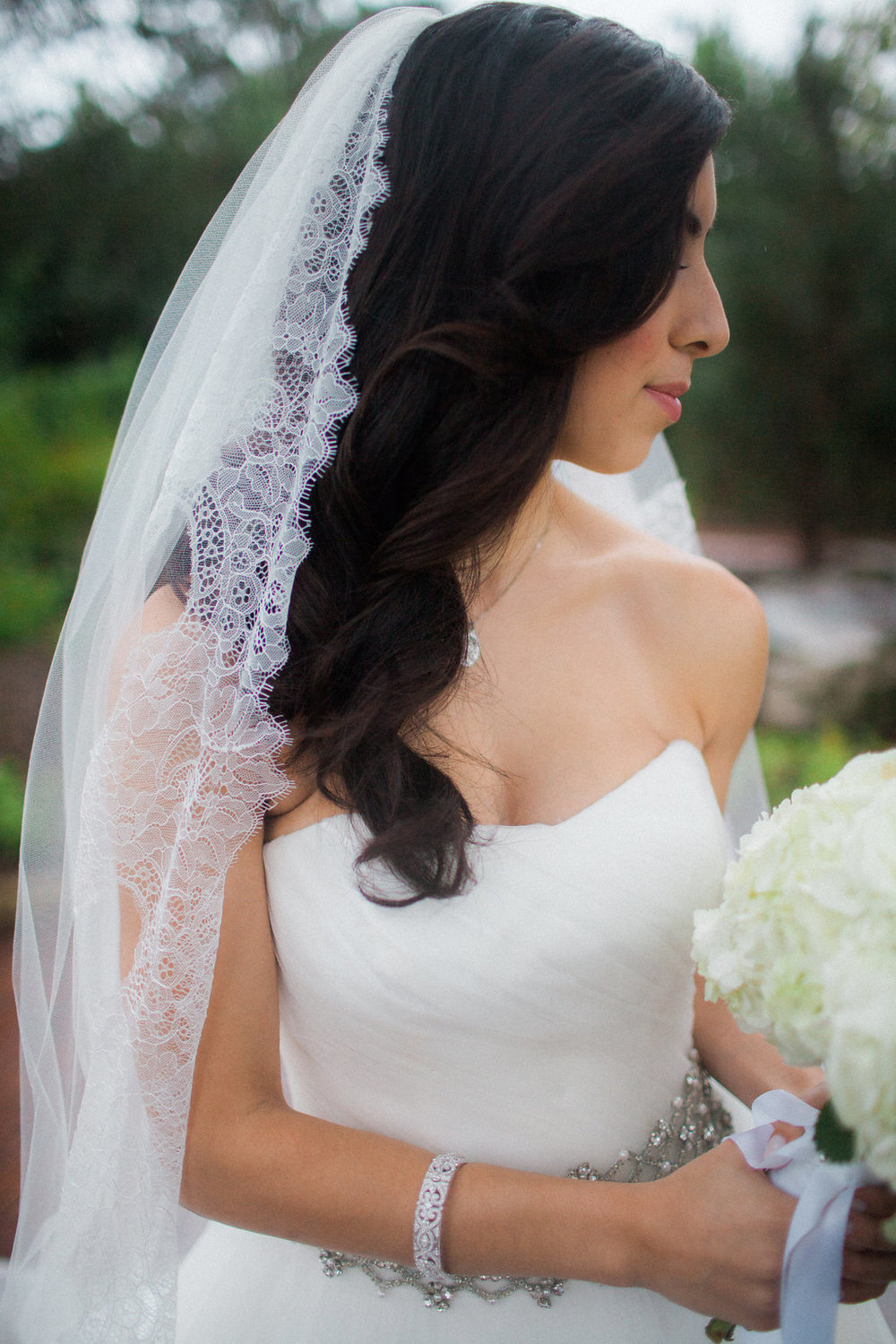 bride with long veil mantilla