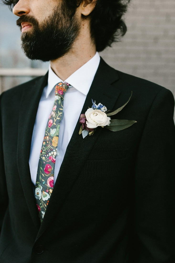 groom boutonniere.jpeg