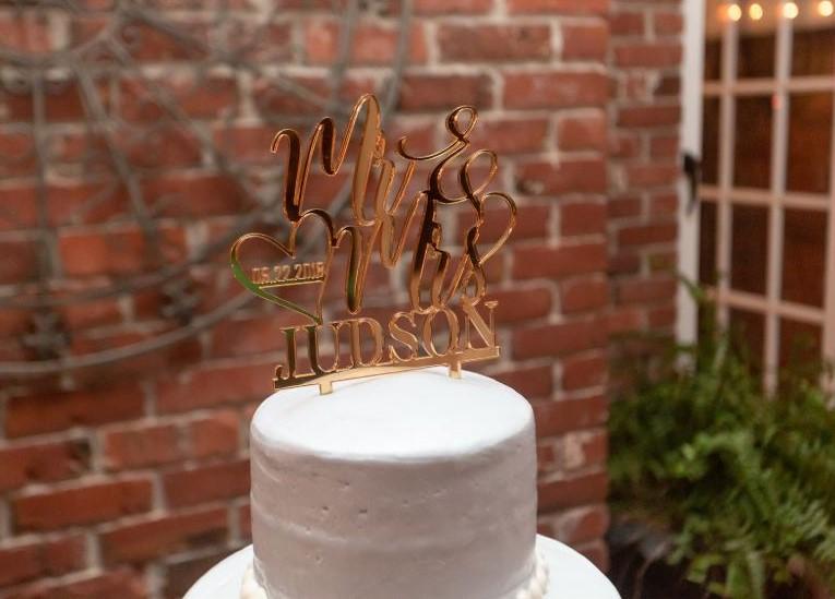 wedding cake gold topper.JPG