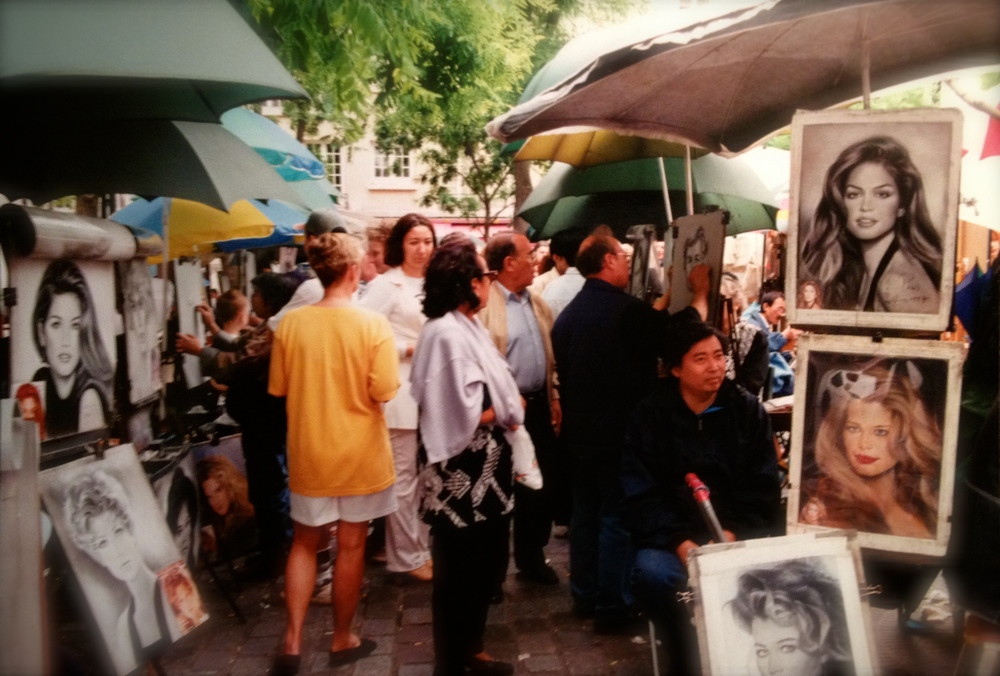 Street artists in my favorite place in Paris... Montmartre!