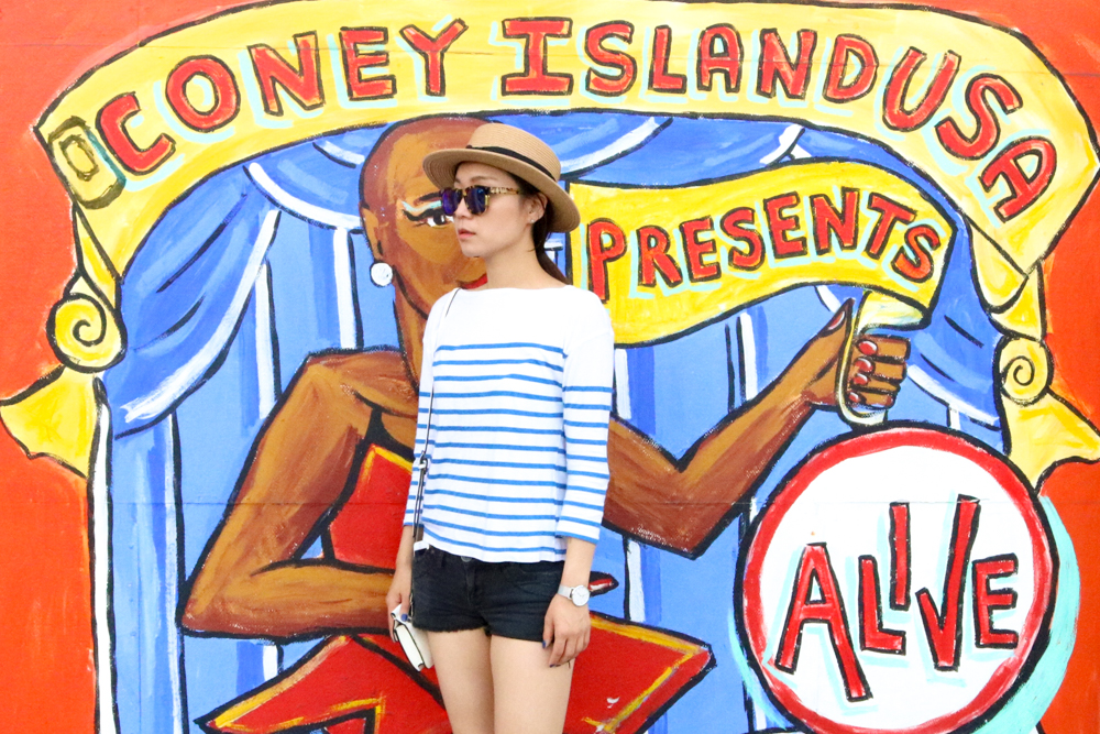 Zara Striped Top, Vintage Shorts,  Urbanoutfitters Hat ,  Wildfox Classic Fox Wayfarer Mirror Sunglasses ,  Cluse La Bohème Mesh Silver/White Watch , Zara White Crossbody