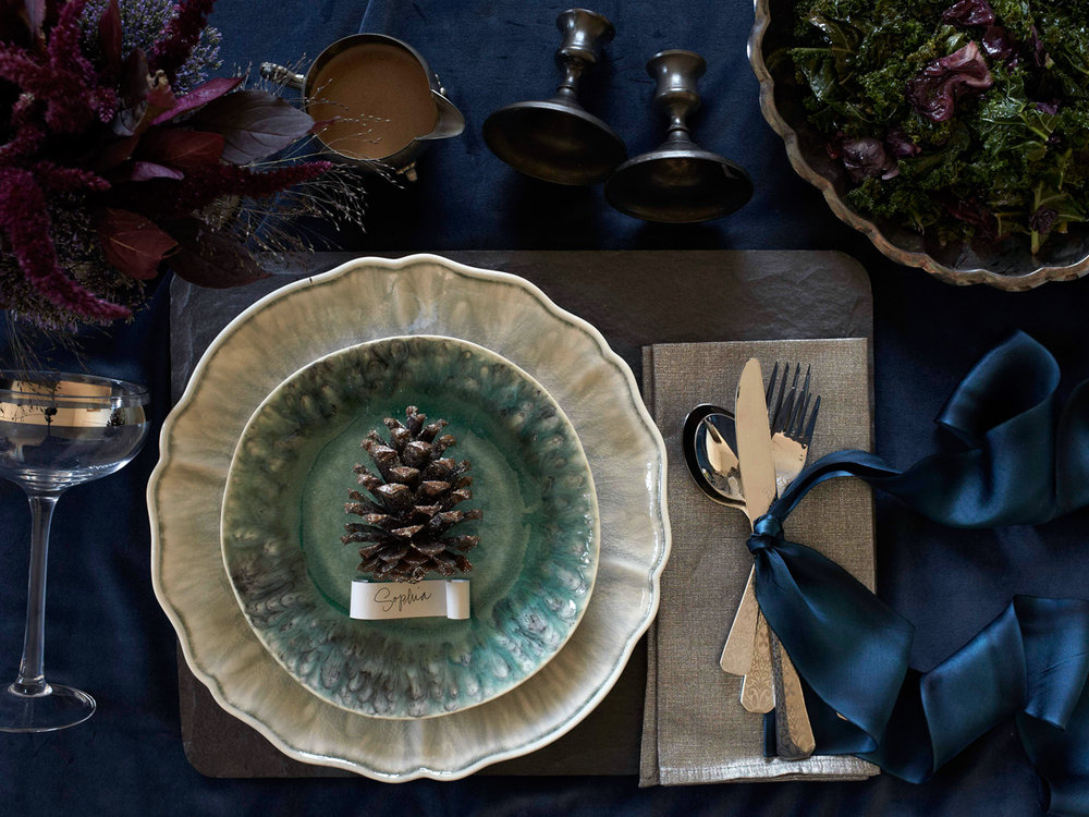 Ilasco_Styling_Holiday-Tabletop-blue.jpg
