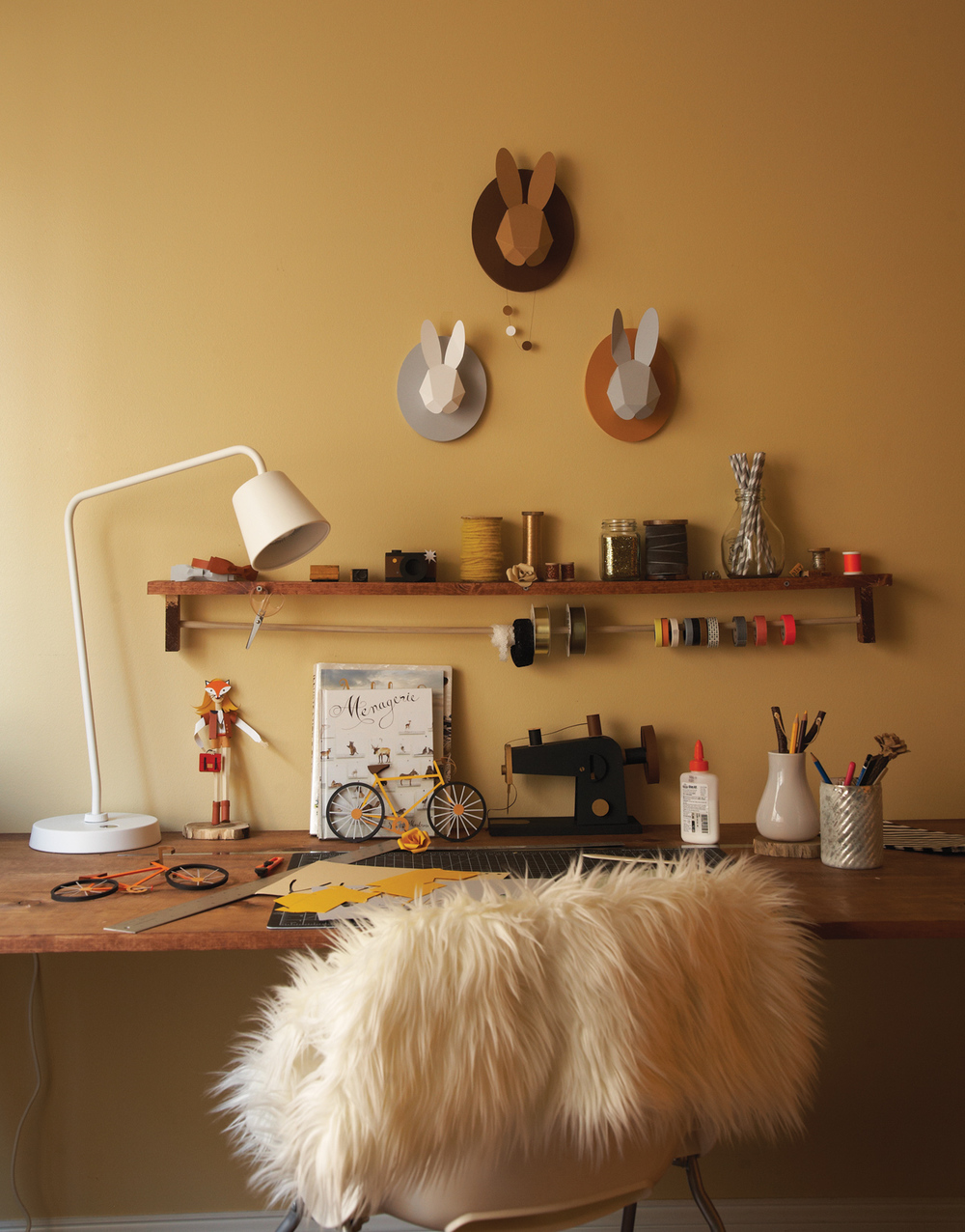 Ilasco_Styling_Anthology-Feury-desk.jpg