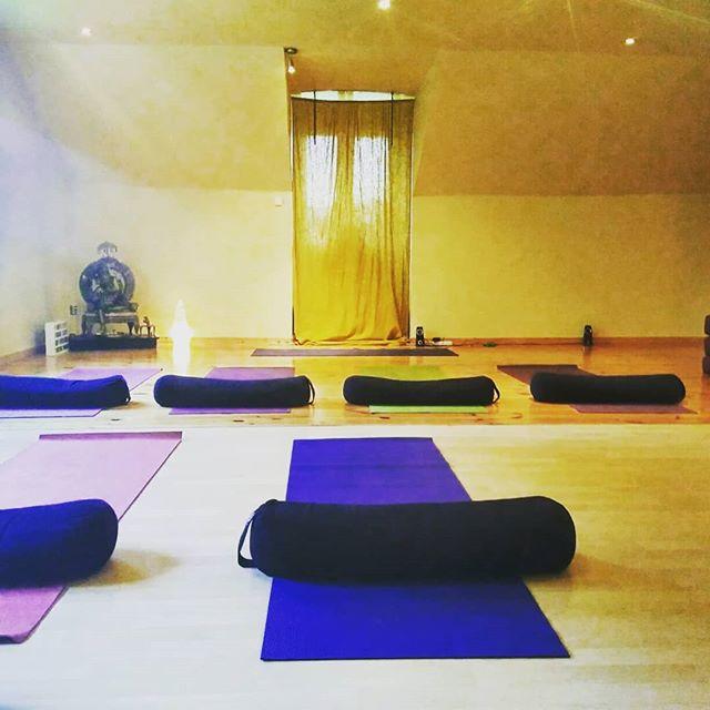 Vanavond Hatha yoga te Destelbergen 20u30 🌻🌸! Volgende week start de kundalini yoga!