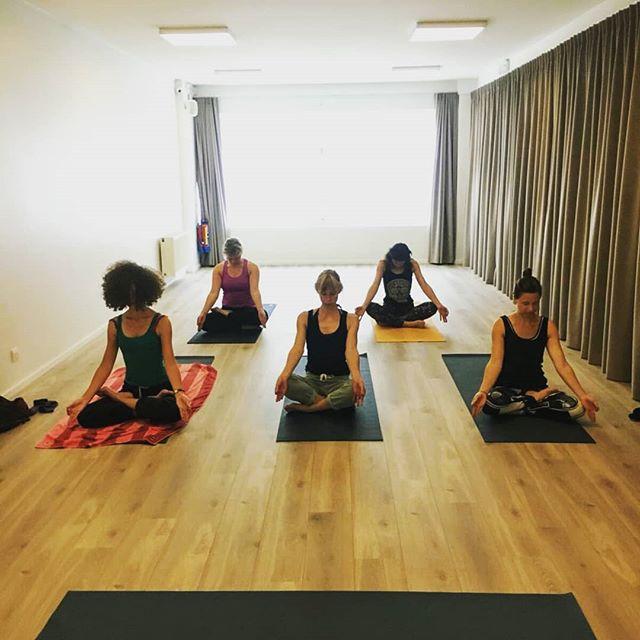 Ashtanga yoga Gent! Elke vrijdagochtend 8u45-9u45!