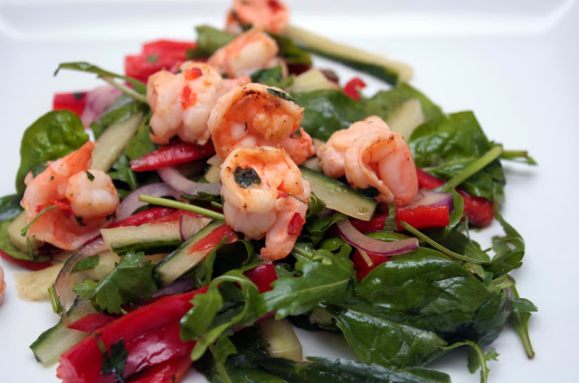 meg-made: 5:2 Diet recipes - garlic and chilli prawn salad