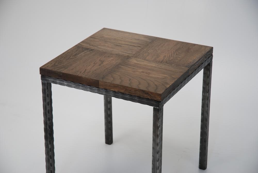 Square Parque Accent Table