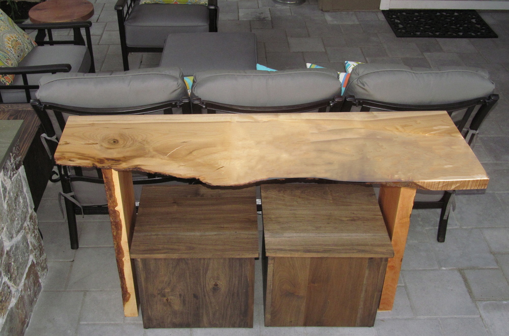Mrytle Wood Outdoor Console Table w/additional seating stools