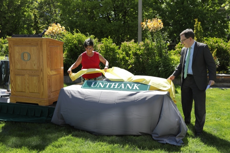 Unthank Hall sign unveiling (credit: Around the O/University. of Oregon)