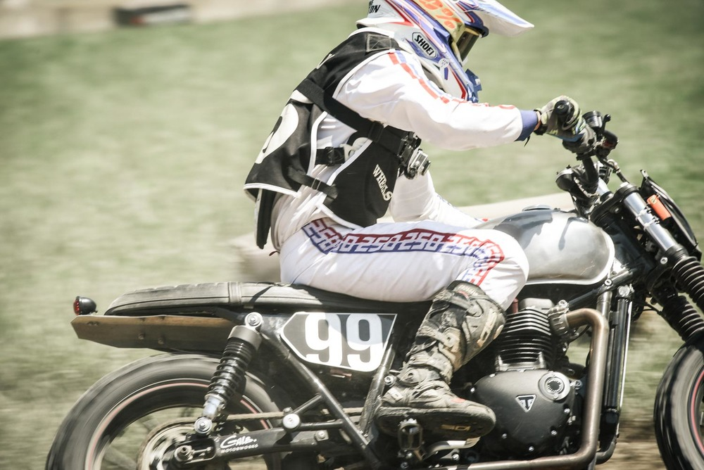 ANTOINE BRETON of GALB Motorworks riding the El Rollo race at Wheels and Waves!