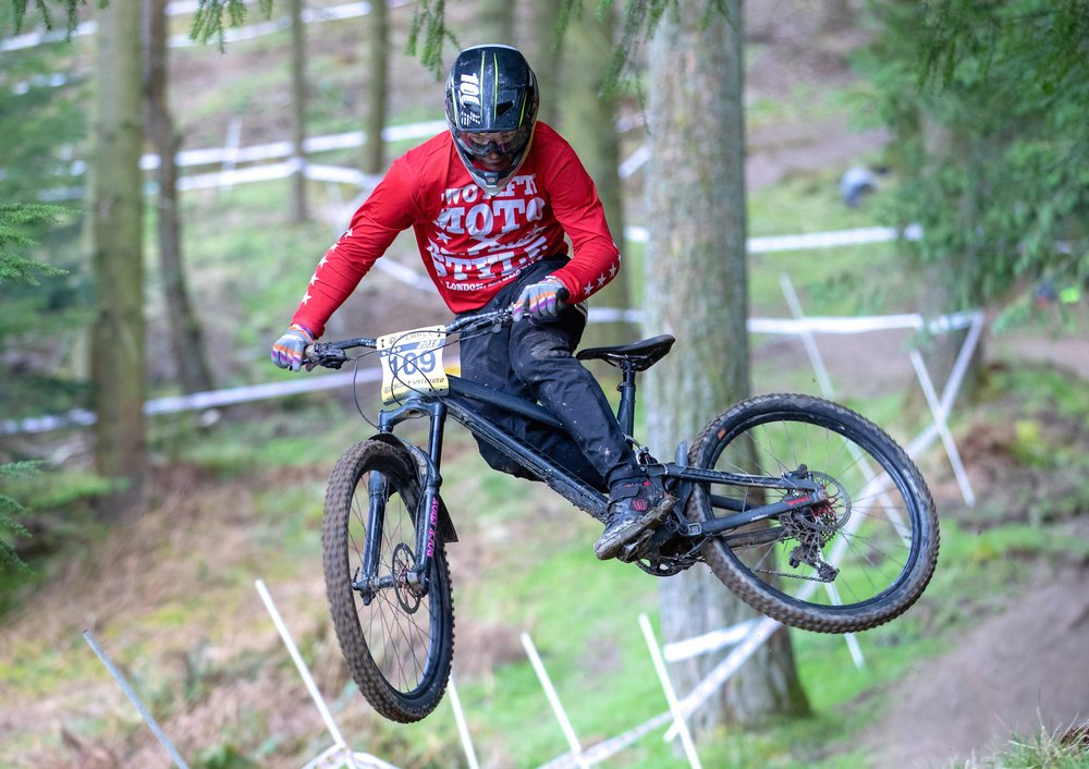 Jonny Oddy whipping it up in style…. Image: Muddy Shots