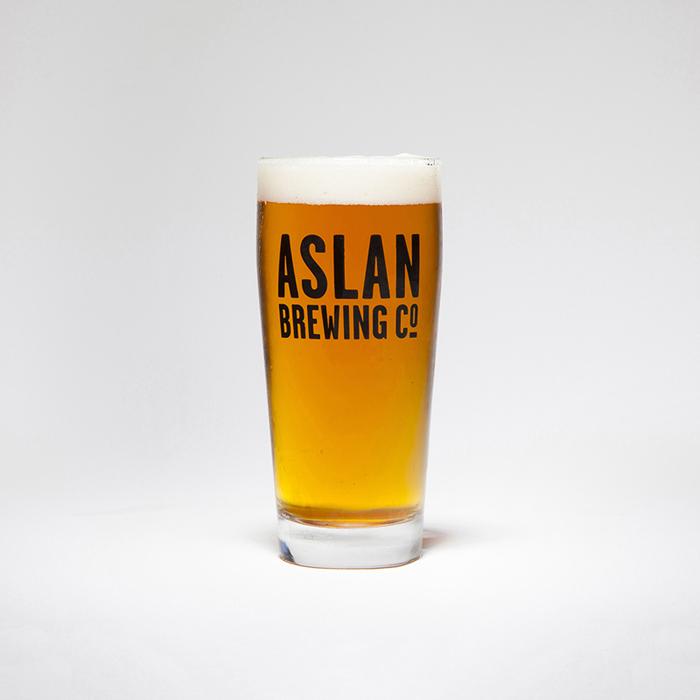 India Pale Ale (IPA) 1.065 OG // 6.5% ABV // 60 IBU MEDIUM BODY + PINEY/CITRUSY + BITTER