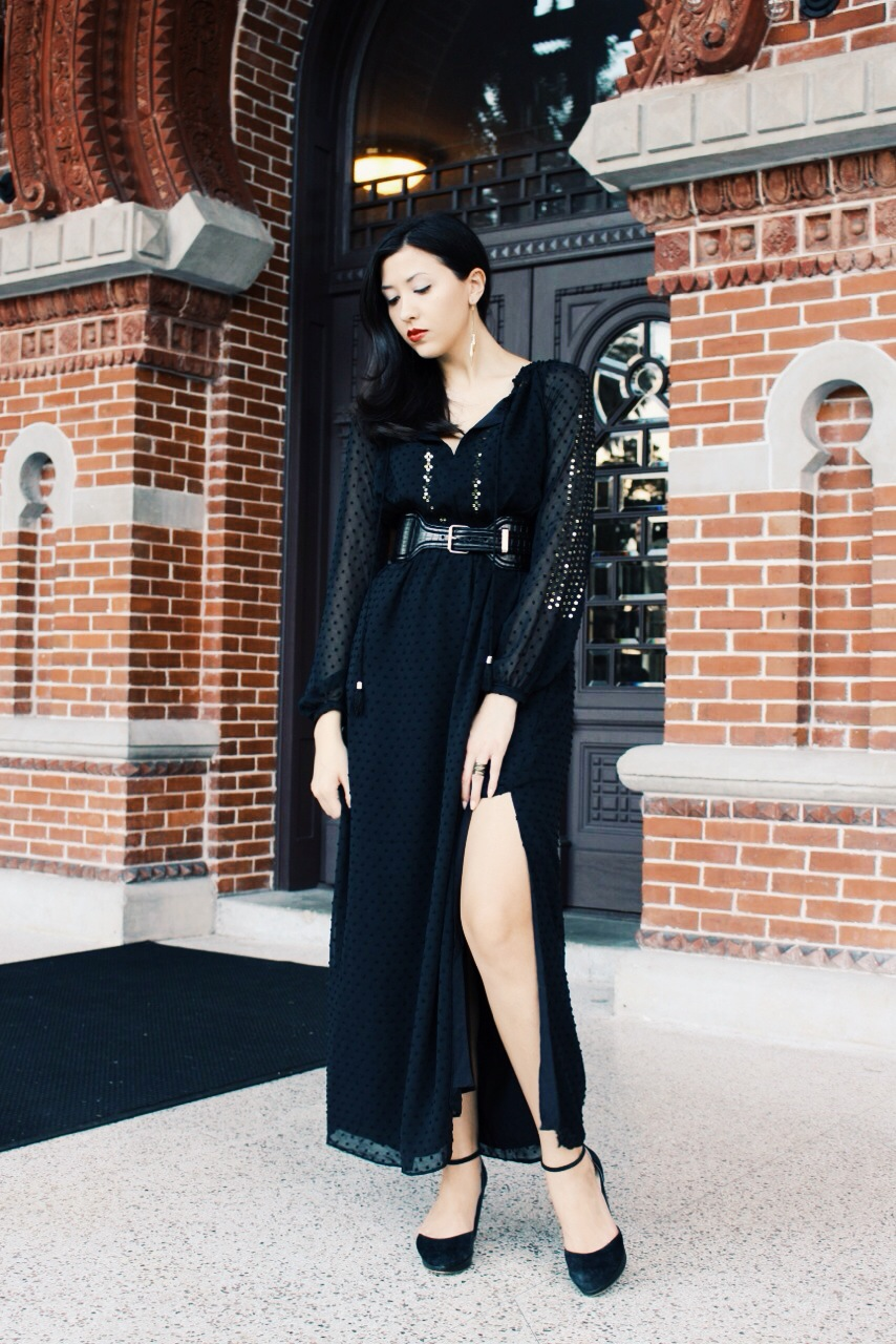 Call it boho or a bit witchy (I totally felt some American Horror Story Coven vibes when I put this on), this Altuzarra for Target Swiss dot maxi dress gives off a dark and sultry sophistication