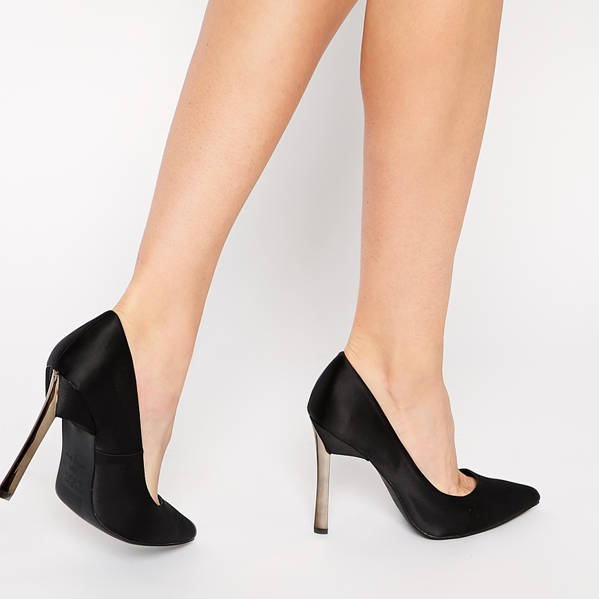 The New Look Vickster pump is the perfect affordable alternative to the Casadei blade pump.  Photo courtesy of Asos.
