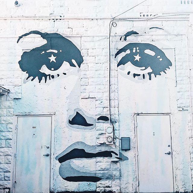 Street side Twiggy 👁 • • • • #stpete #saintpete #saintpetersburg #stpetersburg #downtownstpete #streetart #fashionblogger #fblogger #tampa #tampafashion #style #styleblogger #vsco #instacool #art