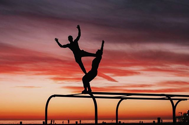 My favorite way to end the week is a sunset workout with good friend at the beach. Thank @moderntarzan for trust and @ardyslacks for capturing the moment! Sunset vibes @sunwarriortribe. #sunwarriortribe #sunrise_sunsets_aroundworld #musclebeach #ninja #pimovementninja