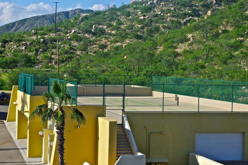 Tennis Court for Golondrina 301
