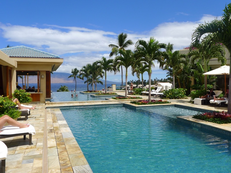 All good things paddleboarding serenity pool mama 39 s for Fish house maui