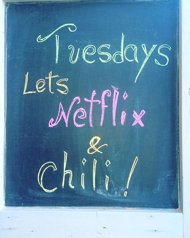 Sounds like our kind of night, who's in? #netflixandchill #santamonica #veganchili