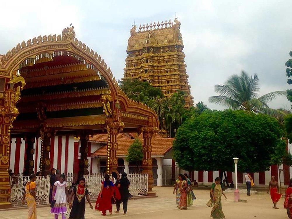 killinochi-ellen-ridley-sri-lanka-temple