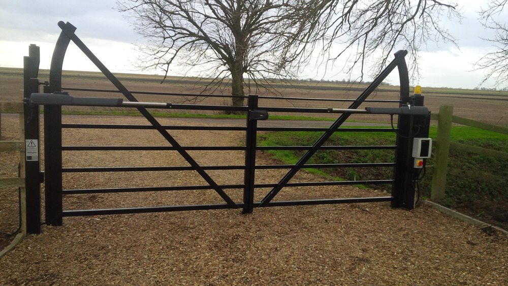 Upgrade the appearance of your gate with the raised stile design.