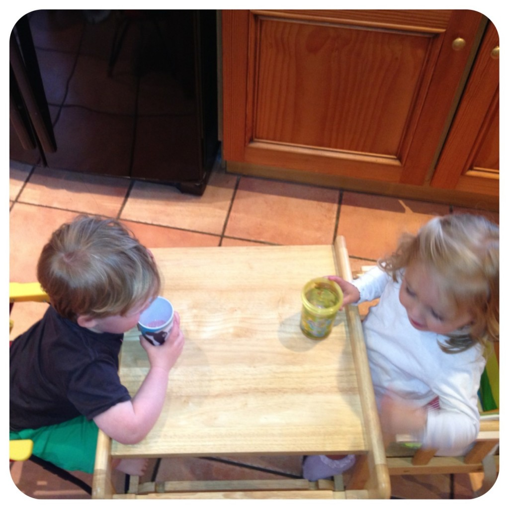 Florrie & Oliver enjoying the smoothie