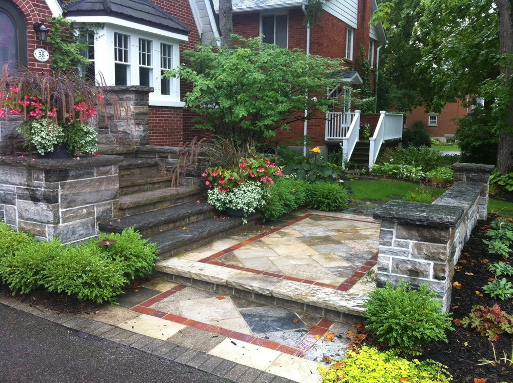 There is nothing more beautiful than natural stone. Our team consists of skilled stone masons that are professionals in bringing this beauty to life .