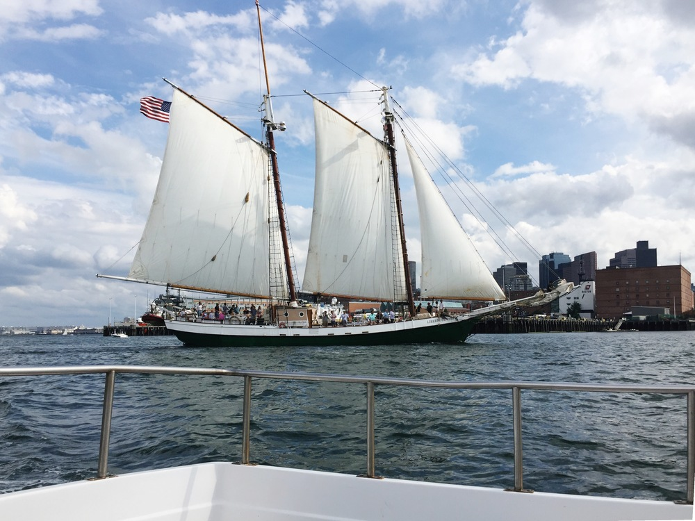 The Liberty Clipper at rush hour :: July 1, 2016