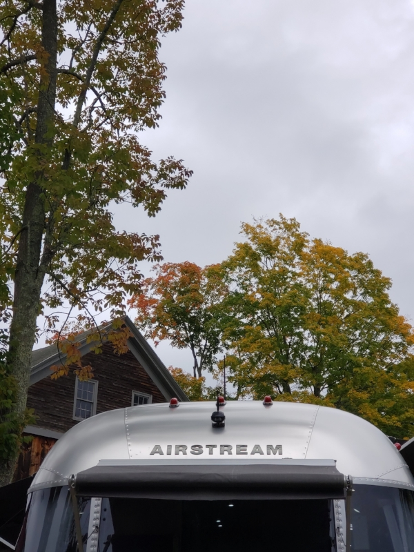 october 7, 2018 :: rich and I often joke about living in an Airstream someday. For the longest time, we'd talk about  what it would be like, and eventually talk ourselves out of it. Then we met a couple who bought one….and then sold their house. It turns out we have a hard time finding reasons why Operation Airstream Livin' is a bad idea.