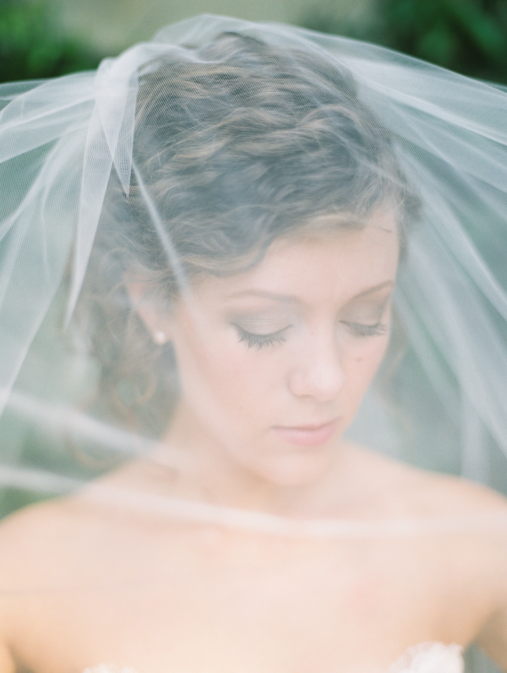 fine-art-film-bridalportraits-abrookshire39