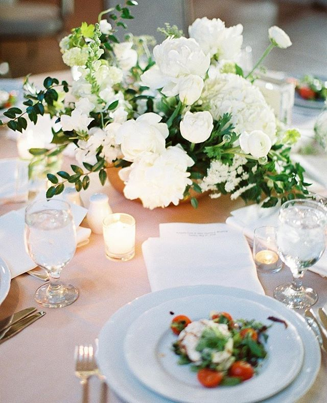 Man, this wedding was good. And look at that low light reception yumminess on film 😍 More via the link in my bio!