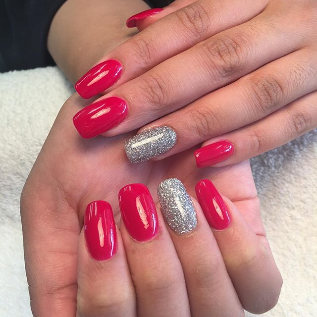 SNS Dipping Power  Light weight & Durable  No liquid needed  No damage to nails bed Looks & feels natural  Healthier for your nails with added calcium, vitamins A,E,D3,B5 @prettynailskt  Kingston Upon Thames # 👍❤️