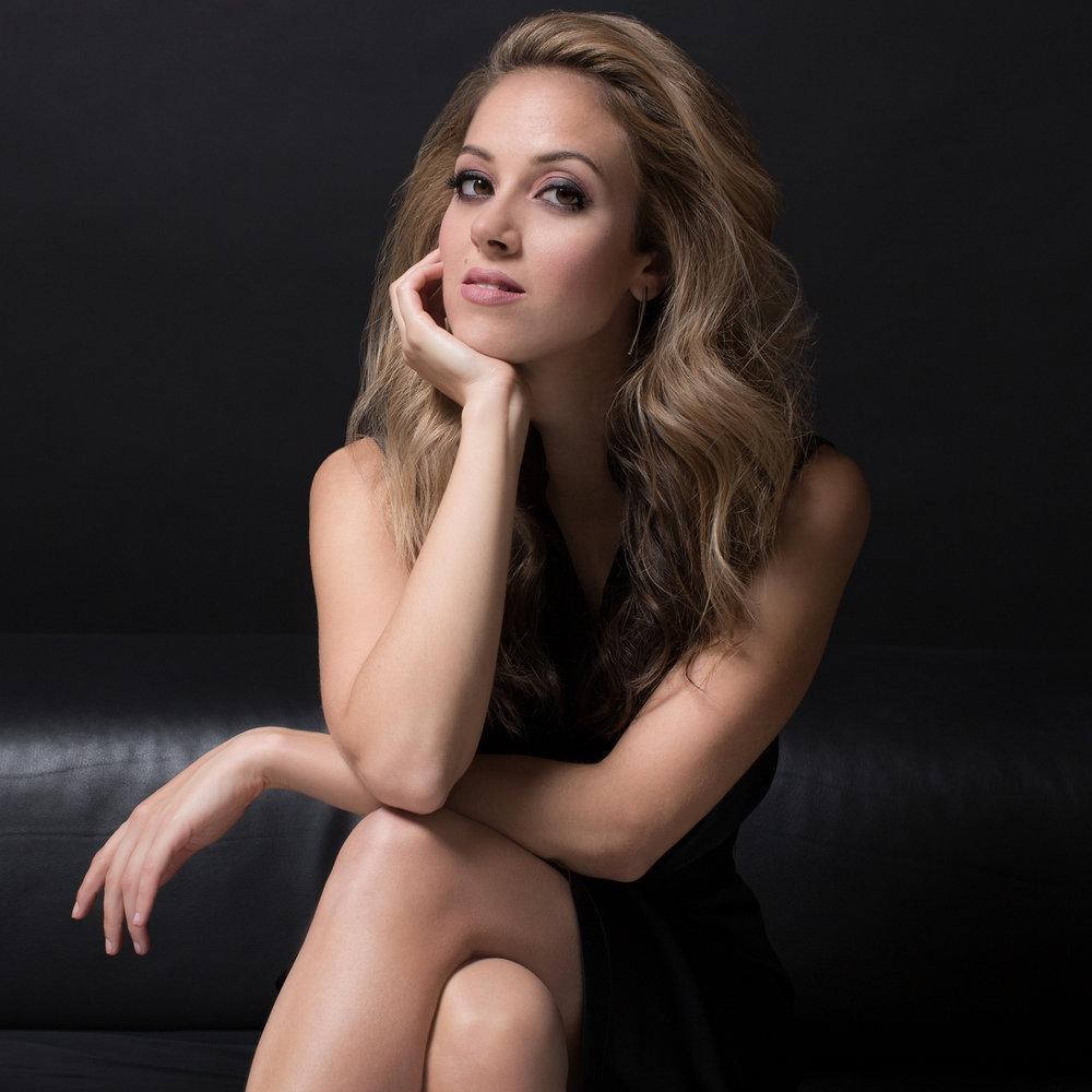 Lauren snouffer , soprano