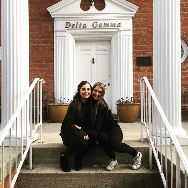 Reading week is best spent with sisters 💕 The ladies of Delta Gamma enjoyed this long weekend at the Delta Gamma institute, spending time with sisters and growing as leaders!  #ualbertasororities #deltagamma