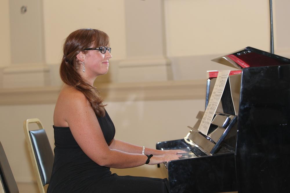 Meg Zervoulis - Piano