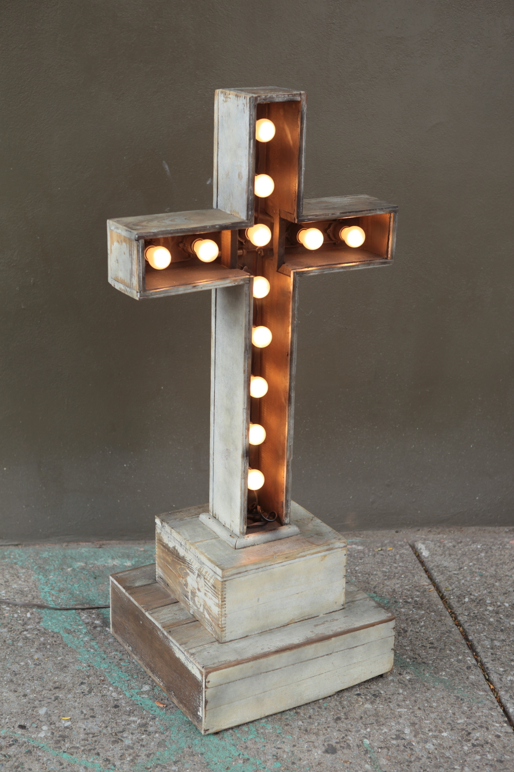 sold ! vintage light up cross $275