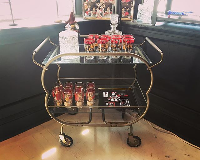 Vintage bar cart for your entertainment needs 🍾