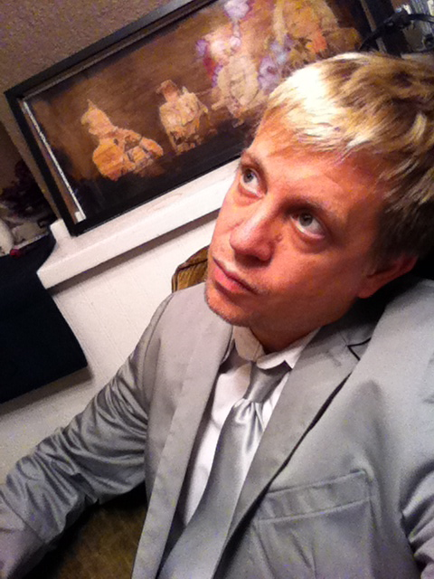 pre show ponder backstage in St. Charles, Illinois