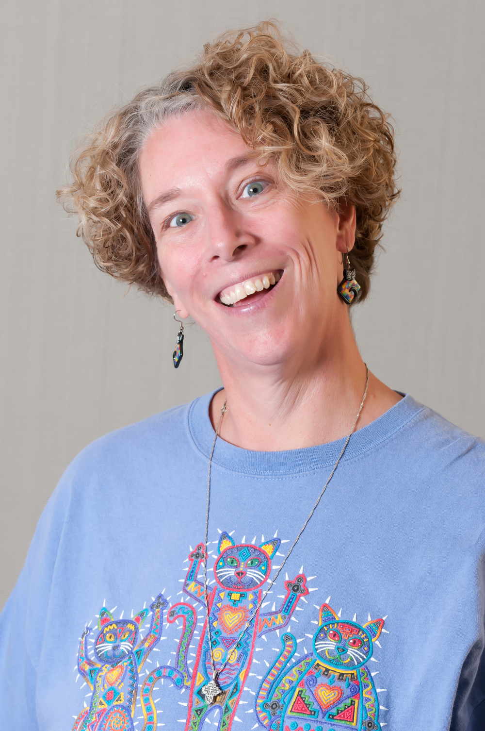 Barb Barlow is the art teacher at Lange Middle School.   mailto:BBarlow@CPSk12.org  573-214-3250