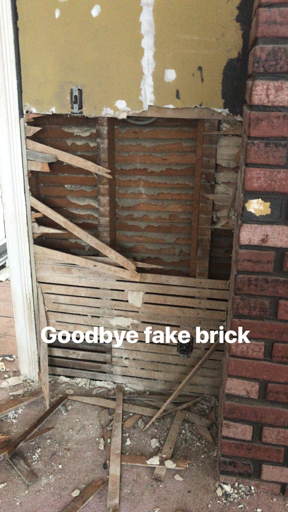 dining room brick remove.JPG