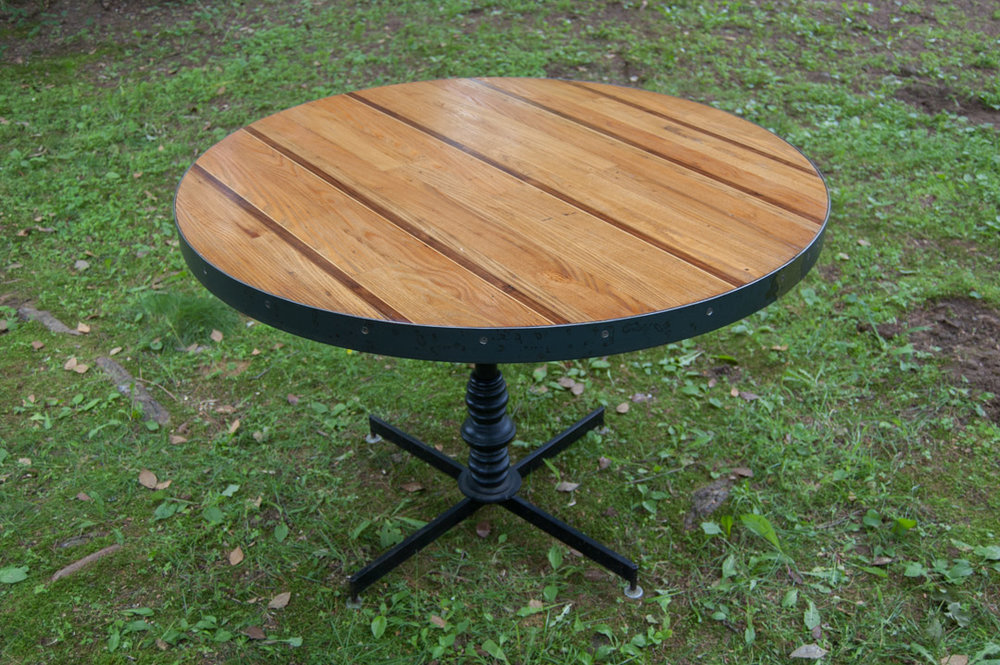 striped round table 5.jpg