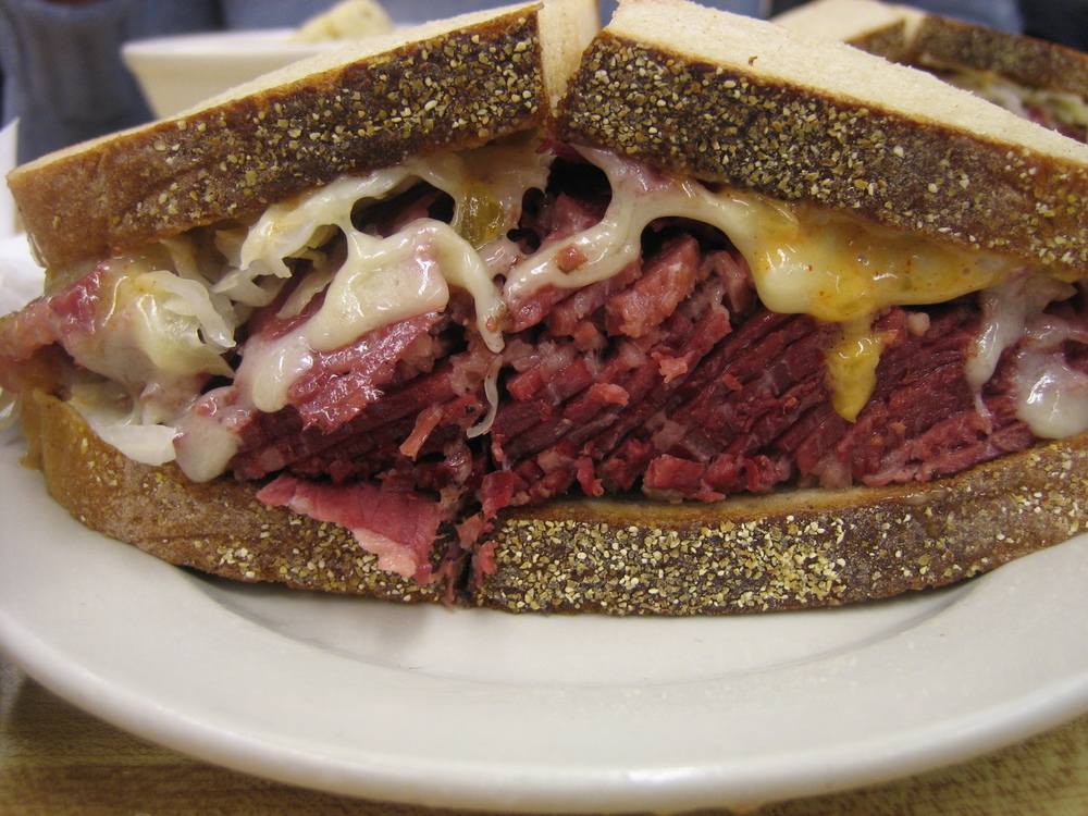 Katz's_Deli_-_Lunch.jpg