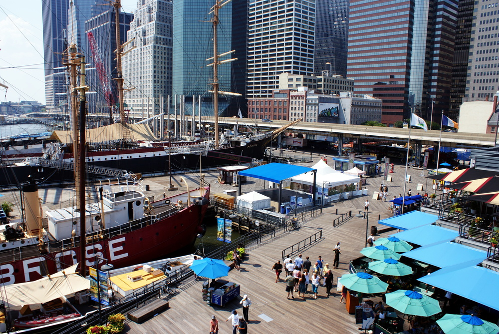 South_street_seaport_August_2009.jpg