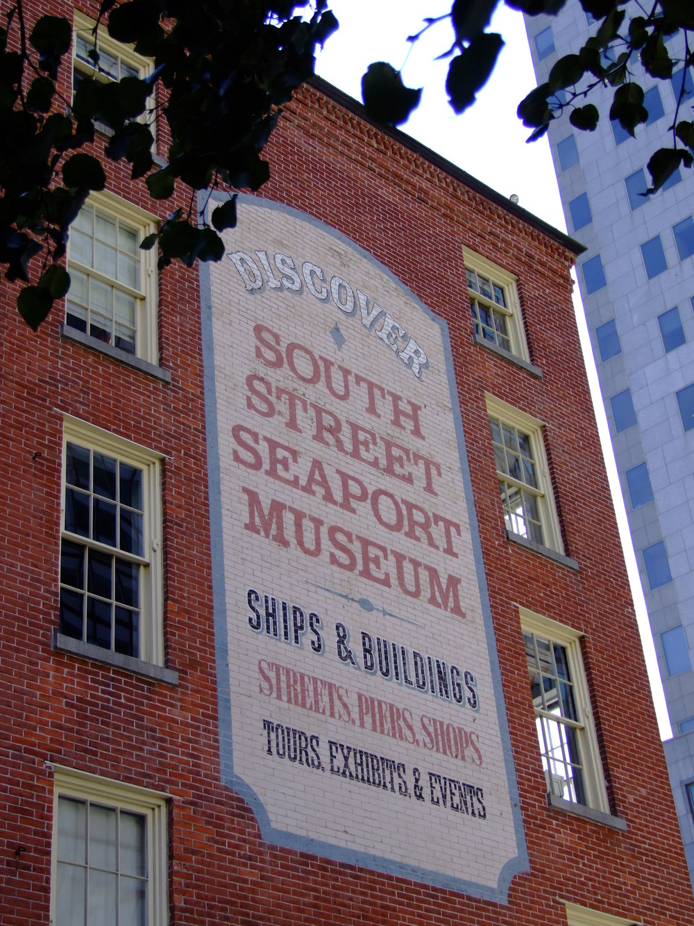 South_Street_Seaport_Museum_Wall_Sign.JPG